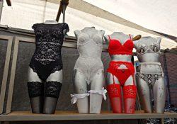 Undgå strømpelinjer under kjolen med en hofteholder